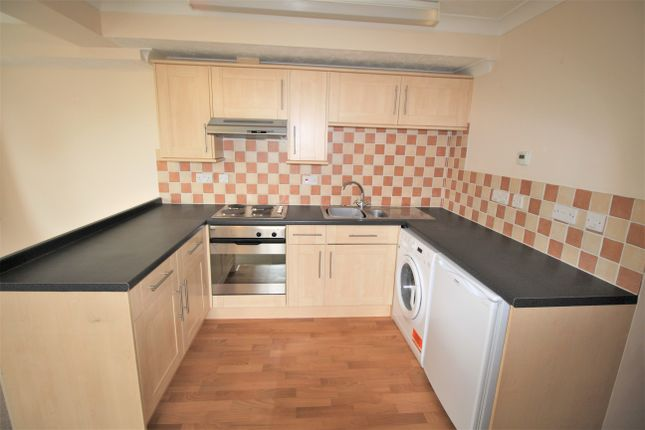Thumbnail Flat to rent in Greenfields Avenue, Alton
