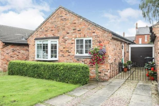 2 bed bungalow to rent in Russell Road, Winsford CW7