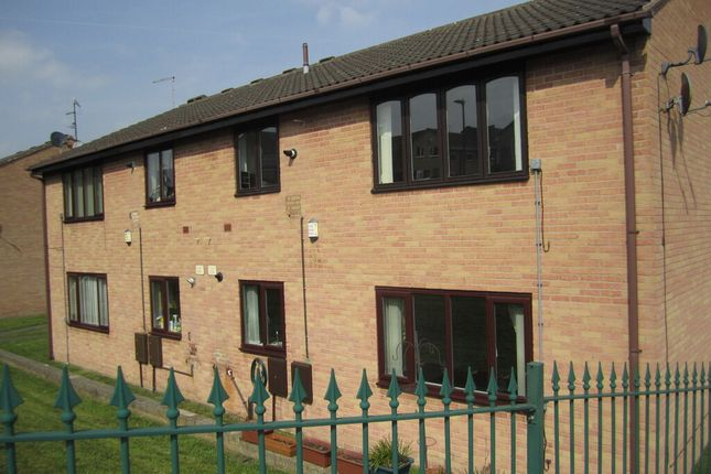 2 bed flat to rent in Aylesbury Court, Wincobank, Sheffield S9