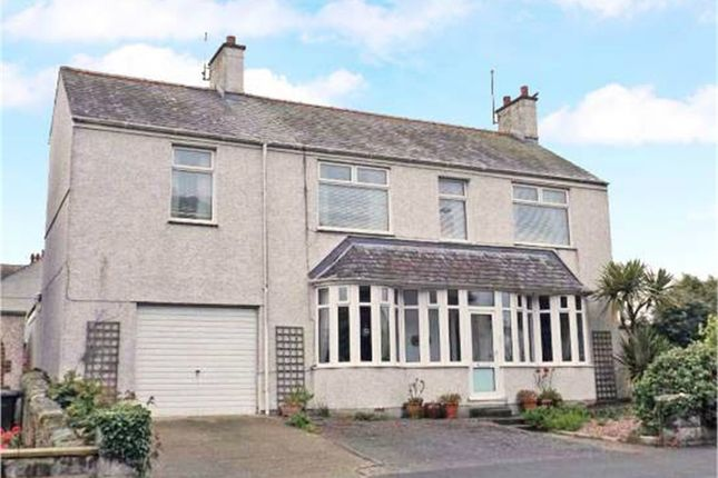 Thumbnail Detached house for sale in Kingsland Road, Holyhead, Anglesey