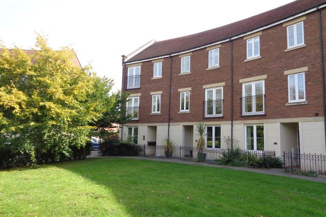 Flat to rent in Gras Lawn, St. Leonards, Exeter