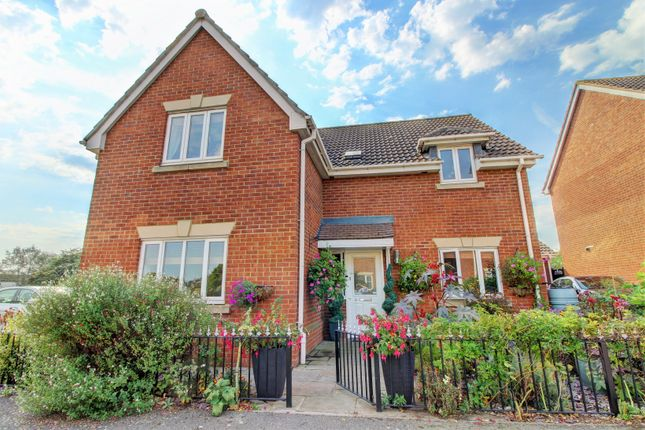 Front of Magnolia Close, Canvey Island SS8