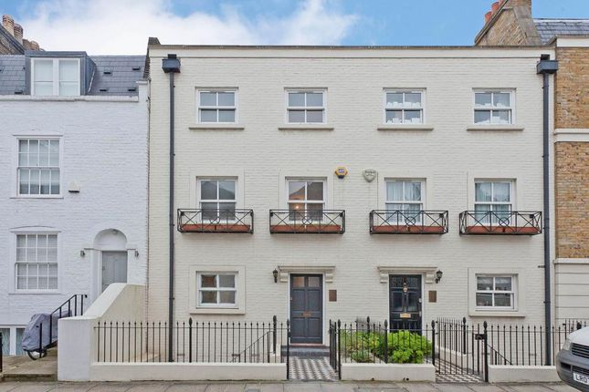 Thumbnail Terraced house for sale in South End Row W8,