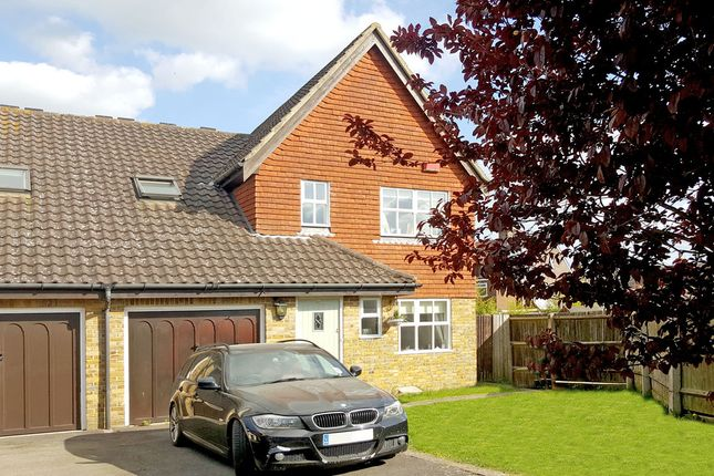 Thumbnail Link-detached house for sale in Barnes Walk, Marden, Tonbridge