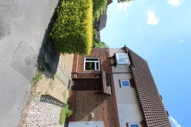 1 bed semi-detached house to rent in Barton Drive, Hamble, Southampton SO31