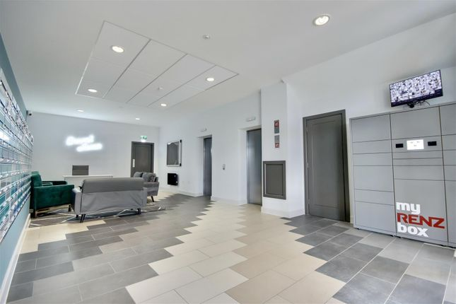 Studio to rent in Brunel House, The Hard, Portsmouth PO1