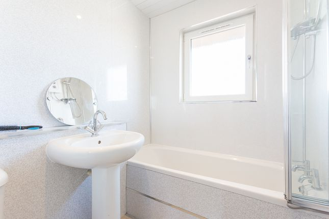 Bathroom of The Maltings, Montrose DD10