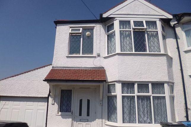 Thumbnail Maisonette to rent in Oliver Road, Hemel Hempstead