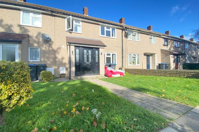 3 bed property to rent in Upper Stoneyfield, Harlow CM19