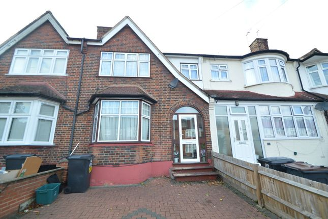 Thumbnail Terraced house to rent in Woodend, London