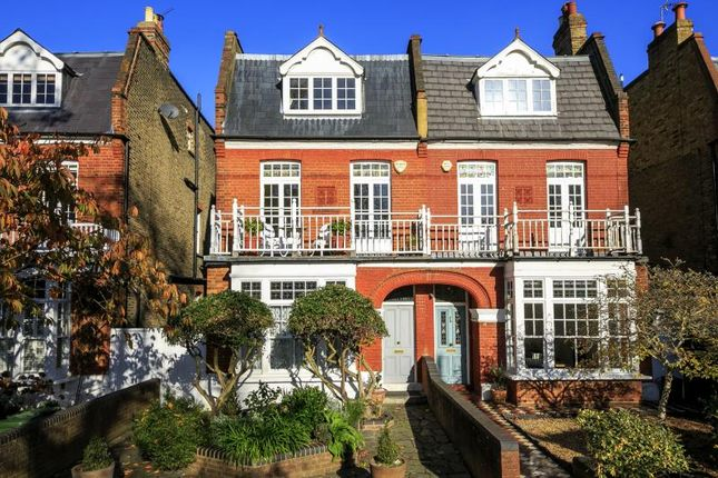 Thumbnail Flat for sale in Lawn Crescent, Kew