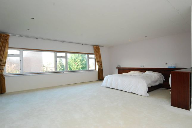 Thumbnail Detached house for sale in West Road, Ealing