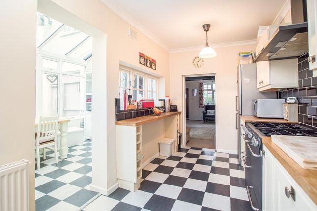 Kitchen of Smithy Lane, Lower Kingswood KT20