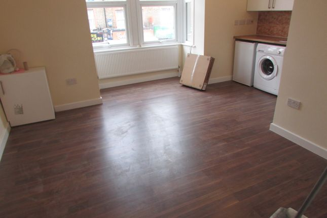 Thumbnail Flat to rent in Hertford Road, Enfield