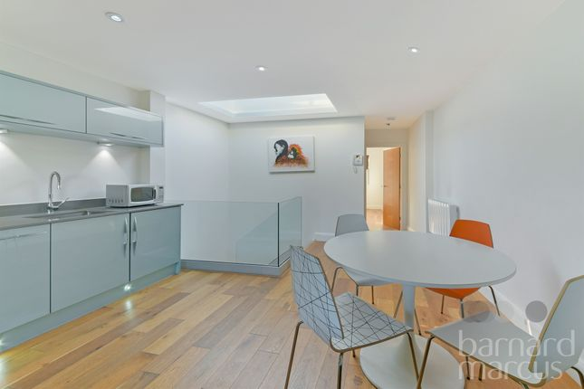 Thumbnail Flat for sale in King's Cross Road, London