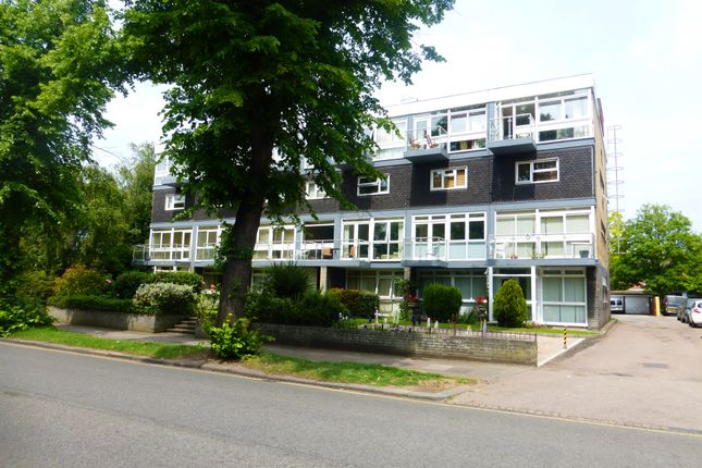 Thumbnail Flat for sale in Broad Reach, The Embankment, Bedford