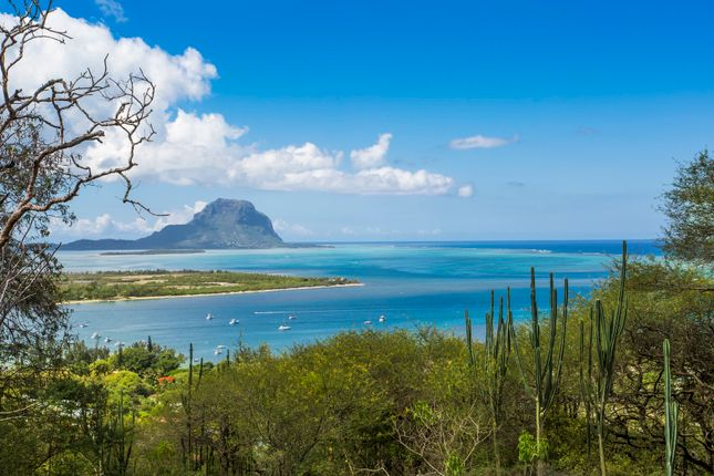 Thumbnail Villa for sale in Black River, Marguery Heights, Mauritius