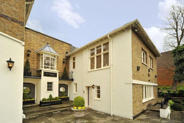 Thumbnail Semi-detached house to rent in Frognal, Hampstead, London