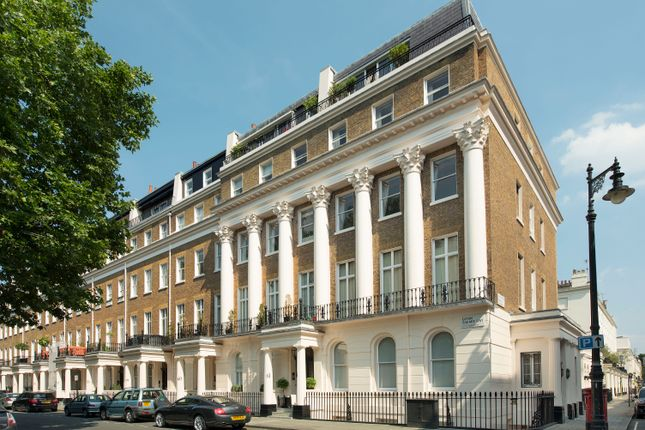 Thumbnail Flat to rent in Eaton Square, 9Bg