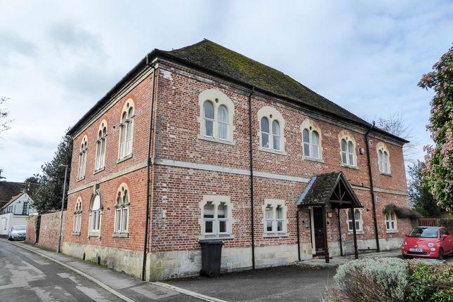 2 bed flat to rent in Crow Lane, Wilton, Salisbury SP2