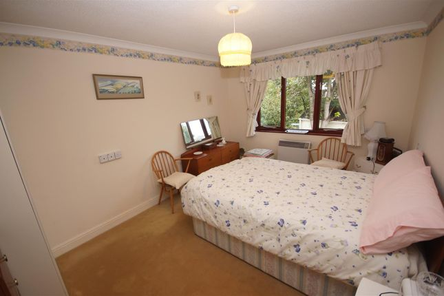 Bedroom 1 of Lilybridge, Northam, Bideford EX39