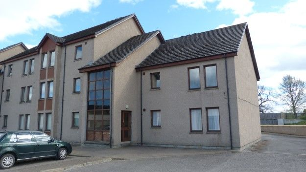 Thumbnail Flat to rent in 20 Kingsmills Court, Elgin