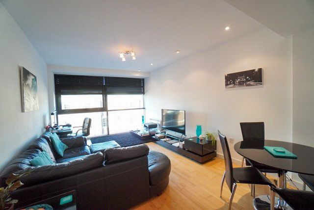 2 bed flat to rent in Weaver Street, Chester CH1