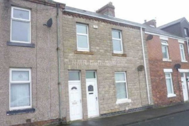 Thumbnail Flat to rent in Clarence Street, Seaton Sluice, Whitley Bay