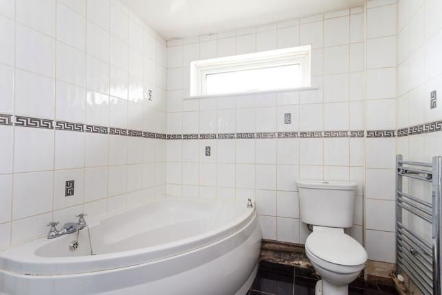 Bathroom of Beatrice Place, Blackburn, Lancashire BB2