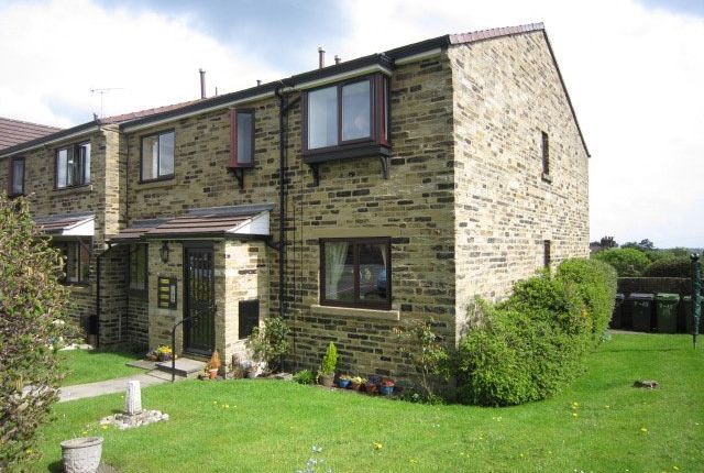 Thumbnail Flat to rent in Croft Court, Horsforth, Leeds