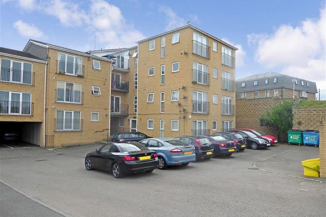 Thumbnail Flat for sale in Ruskin Road, Belvedere, Kent