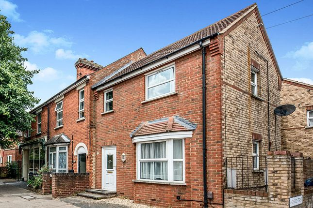 Thumbnail Terraced house to rent in Roff Avenue, Bedford