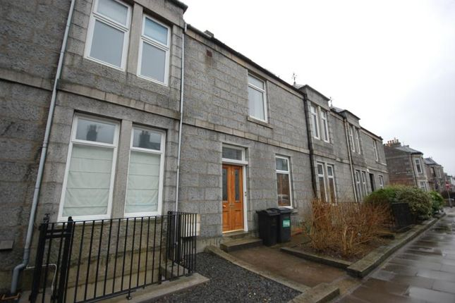Thumbnail Flat to rent in Stanley Street, Aberdeen