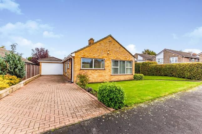 Thumbnail Bungalow for sale in Glendale, Hutton Rudby, Yarm, Cleveland