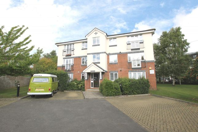 Thumbnail Flat to rent in Roydon Court, Mayfield Road, Walton-On-Thames
