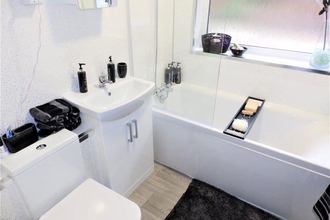 Bathroom of Cavendish Street, Ipswich IP3