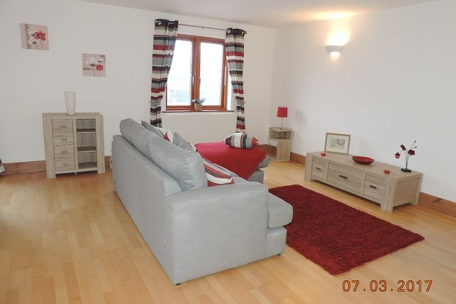 Thumbnail Flat to rent in 13 Vanguard House, Nelson Quay, Milford Haven
