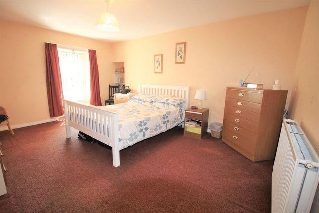Bedroom 2 of Strathmartine Road, Dundee DD3