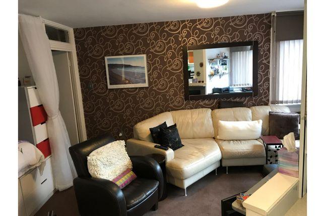 Living Room of 28 Lethington Avenue, Glasgow G41