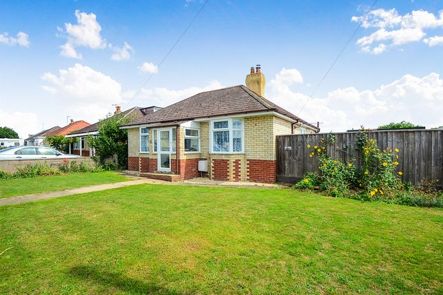 Thumbnail Detached bungalow for sale in Leaze Road, Kingsteignton, Newton Abbot
