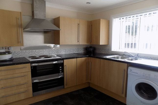 Thumbnail Flat for sale in Garden Square Walk, Airdrie