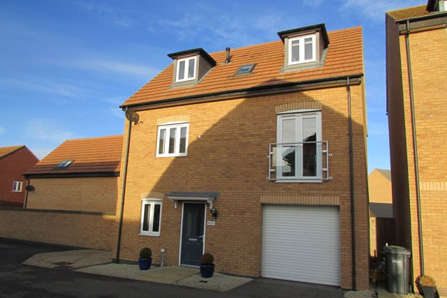 4 bed detached house for sale in Brooker Avenue, Peterborough