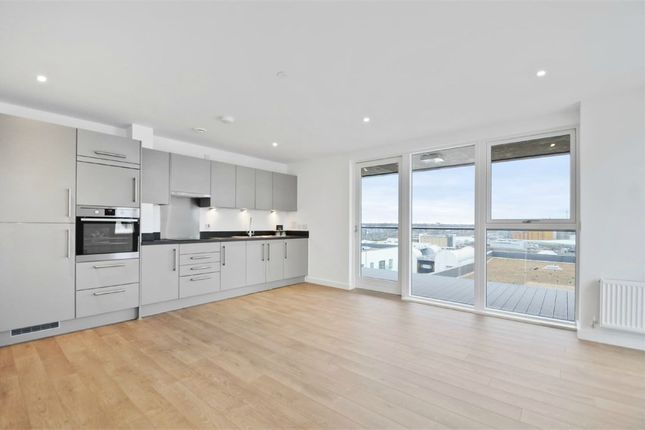 Thumbnail Flat to rent in 17 Bessemer Place, North Greenwich, London