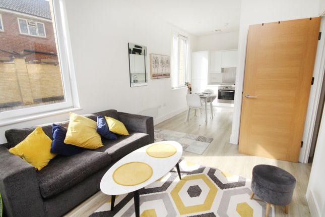 Thumbnail Flat for sale in London Road, Staines
