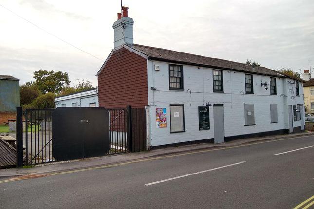 Thumbnail Pub/bar for sale in The Hop Poles, 2 Mount Pleasant Road, Alton