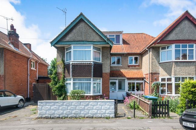 Thumbnail Detached house for sale in Newlands Avenue, Shirley, Southampton
