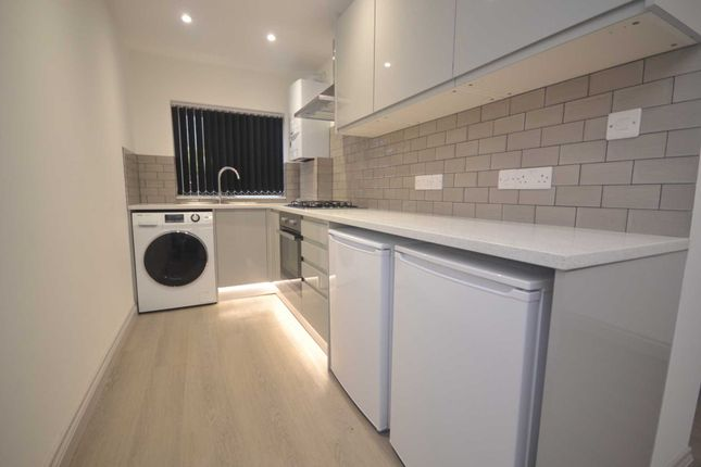 Thumbnail Terraced house to rent in Christchurch Road, Reading