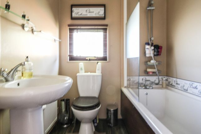 Bathroom of Monkton Street, Monkton, Ramsgate CT12