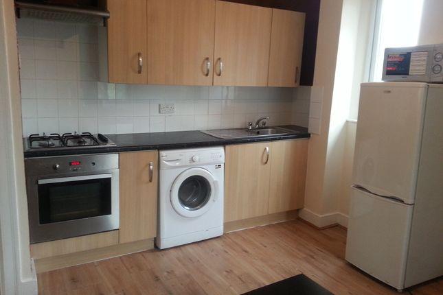 Thumbnail Flat to rent in Selhurst Road, Selhurst, East Croydon