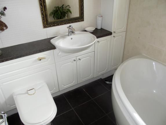 Bathroom of Barrymore Court, Grappenhall, Warrington, Cheshire WA4